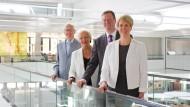 Unternehmerfamilie: Philip Harting ist Nachfolger seiner Eltern Margrit und Dietmar Harting in der Harting-Unternehmensgruppe. Geschichten wie seine gibt es offenbar noch immer häufiger als man denkt.