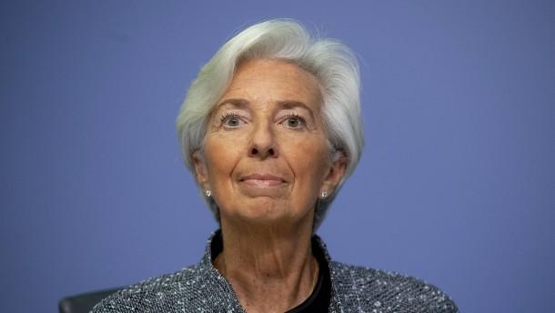 EZB-Präsidentin rechnet mit Konjunktureinbruch von 5 Prozent oder mehr