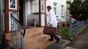 100.000 Euro extra für den Landarzt?