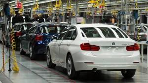 BMW-Arbeiter legen Fließband lahm