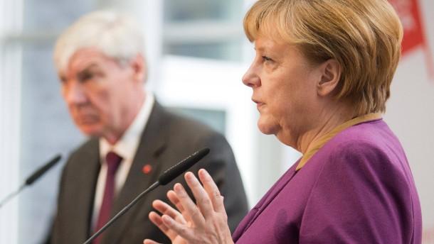 Kanzlerin Merkel besucht DGB-Klausur