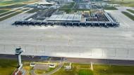 Am Hauptstadtflughafen wird jetzt improvisiert