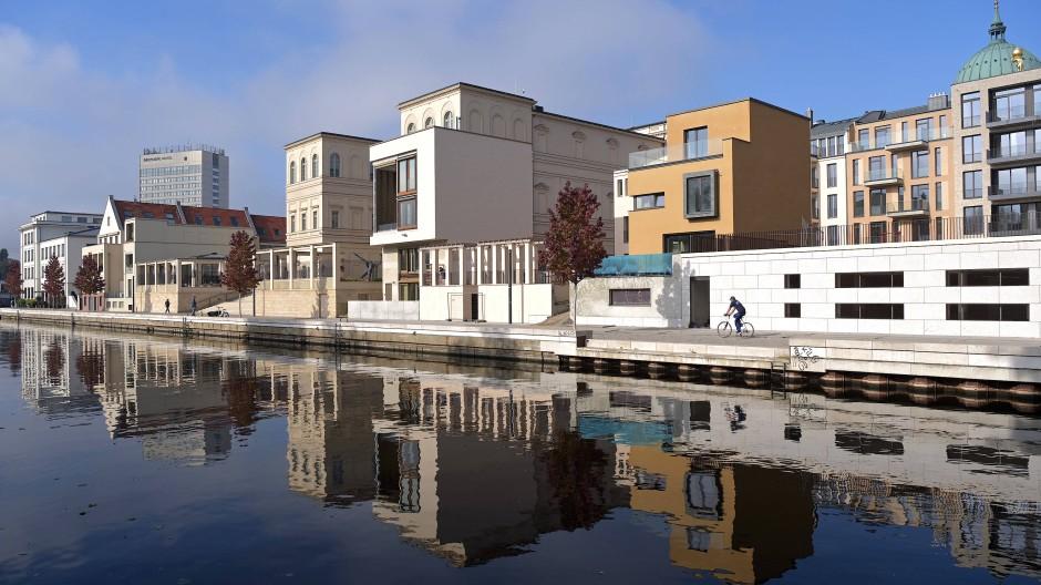 Noble Lage: Neue Gebäude in Postdam