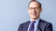 Allianz-Chef Oliver Bäte muss sich auf eine veränderte Konkurrenzsituation einstellen.