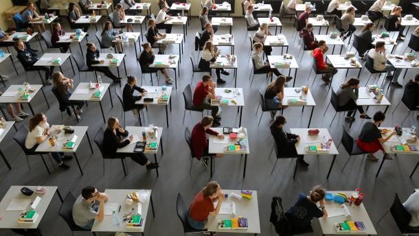 Schleswig-Holstein will Abi-Prüfungen absagen