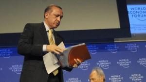 Erdogan stürmt vom Podium