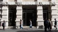 Krisenbank legt Rettungsplan vor