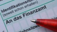 Für viele Deutsche lästig: die Steuererklärung