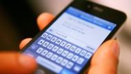 Ungeeignet für T9: Die zunehmende Verbreitung von Touchscreenhandys sorgt für die  verstärkte Anwendung anderer automatischer Textergänzungssysteme