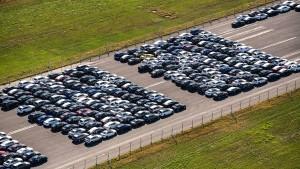 Neuwagen stoßen weniger CO2 aus