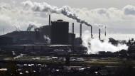 Ein Stahlwerk von Tata, aufgenommen in Port Talbot in Wales