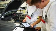Treffpunkt Automobil: Bei Audi kommen sich neue und herkömmliche Technik näher.