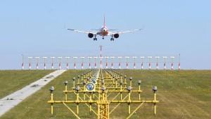 Dobrindts Kampfpreis-Steuer irritiert Flugbranche