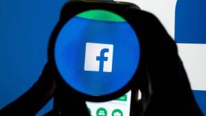 """""""Gott weiß, was Facebook mit den Gehirnen unserer Kinder macht"""""""