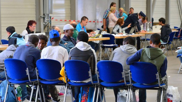 Flüchtlinge überfordern die Computer des Staates