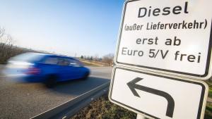 Rechtsexperten fordern Überprüfung der Diesel-Grenzwerte