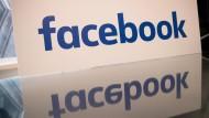 Facebook tauscht Redakteure gegen Roboter