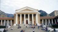 Ein Berg von Arbeit: An der University of Cape Town werden vor malerischer Kulisse Höchstleistungen verlangt.