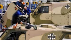 Teure Berater für die Panzerwerke