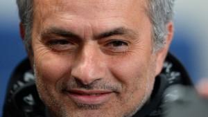 Mourinhos Schmähung, Wengers Poker