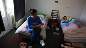 Spanier bleiben lange im Hotel Mama