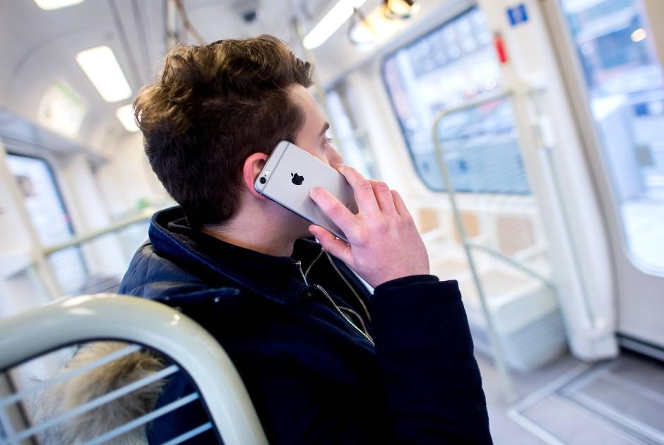 Hakenkreuz zum Telefonieren