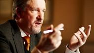Dietmar Fink lehrt BWL mit Schwerpunkt Unternehmensberatung an der Hochschule Rhein-Sieg.