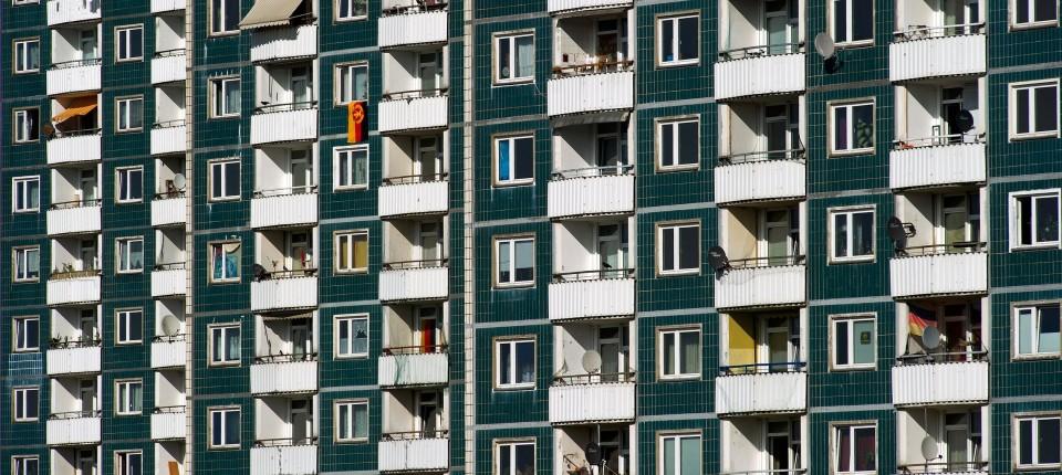 Fonds Als Vermieter Risse Im Bad Schimmel Am Balkon Unternehmen