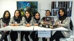 Die Mädchen und der Roboter