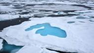 Arktischer Ozean nahe dem Nordpol: Das Eis nahe den Polen schmilzt wegen des Klimawandels.