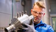 Im Motorenprüfstand bei BASF in Hannover ist Genauigkeit gefragt.