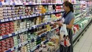 Noch sind die Regale in russischen Supermärkten voll.