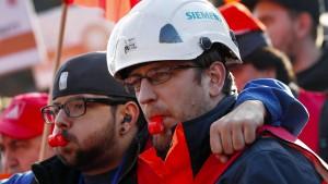 Die Gräben bei Siemens werden immer tiefer