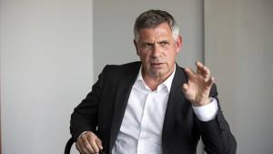 Jetzt spricht der neue Herr der deutschen Autobahnen