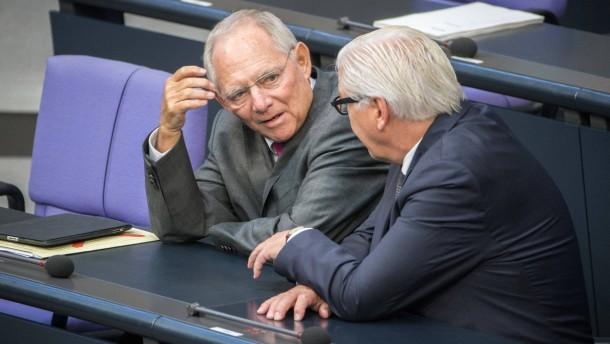 Schäuble räumt Flüchtlingskrise Vorrang ein