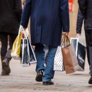 Die gestiegene Inflation schlägt auf die Shopping-Laune der Deutschen.