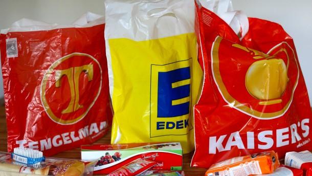 Gabriel stellt Bedingungen für Kaiser's-Übernahme durch Edeka