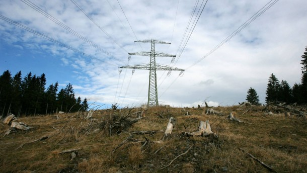 EU will fast 6 Milliarden Euro für Stromtrassen ausgeben
