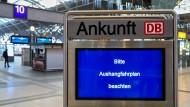 Eine Anzeige in Leipzig nach dem Hackerangriff, der auch die Deutsche Bahn erwischte.