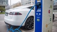 Ladesäulen für E-Autos: Eine der großen Herausforderungen bei der E-Mobilität.