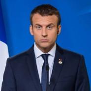 Macron während der Gipfel-Pressekonferenz