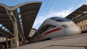 Mehr Leute, mehr Züge - weniger Verspätungen?