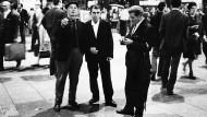Gastarbeiter im Frankfurter Hauptbahnhof, 1969