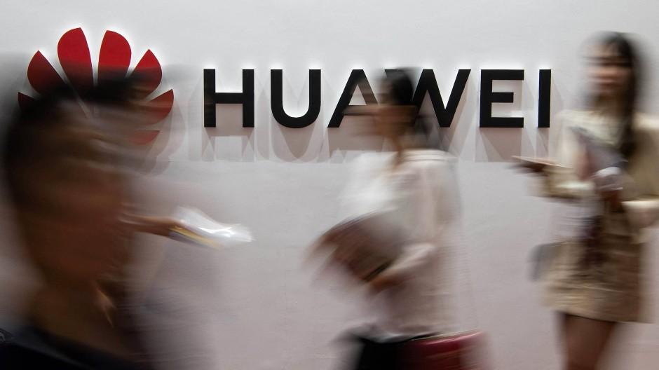 Huawei leidet unter den Maßnahmen, die schon Donald Trump einleitete.