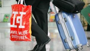 Billigflieger dürfen Geld für Koffer verlangen