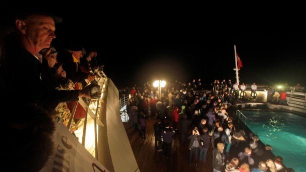 Titanic-Gedenkfeiern auf hoher See