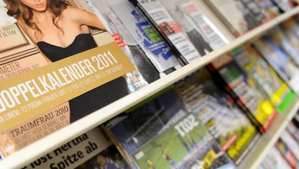 Zeitschriftenregal: Über das Vertriebsnetz streitet sich der Bauer-Verlag vor Gericht