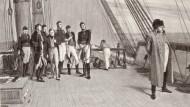 """Napoleon Bonaparte an Bord der Bellerophon (das Bild ist dem Buch """"Masterpieces of Orchardson"""" entnommen)."""