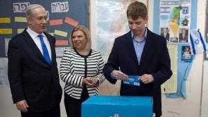 24 Stunden Facebook-Sperre für Sohn von Netanjahu