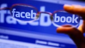 Facebook löscht tausende falsche Konten